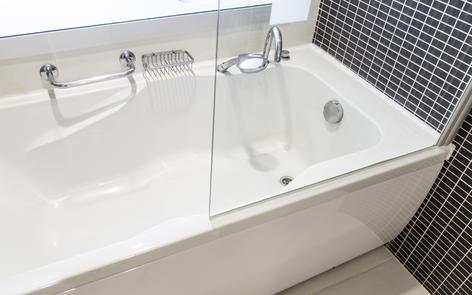choisir le robinet et les accessoires de sa baignoire ooreka. Black Bedroom Furniture Sets. Home Design Ideas