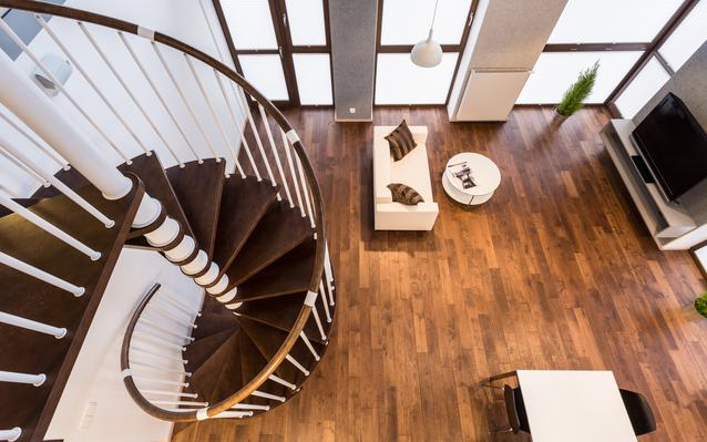 escalier-helicoidal-bois-main.JPEG