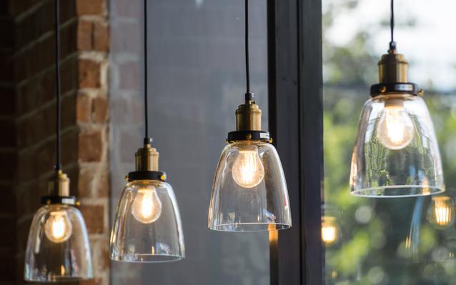lustre-lampes-interieur-design-main.JPEG