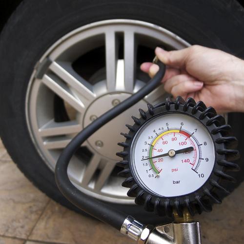 Monter et démonter un pneu de vélo tubeless