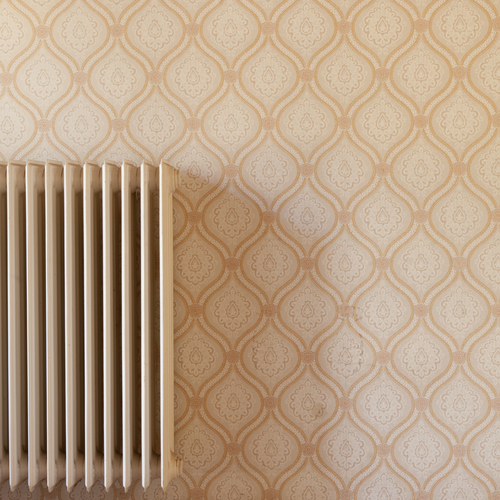 Conseils pour poser du papier peint derrière un radiateur