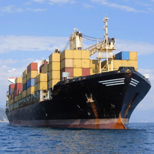 Assurer un navire de transport fluvial