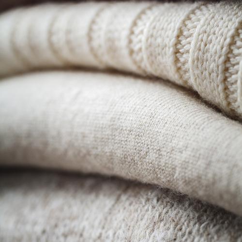 Comment laver un pull en machine sans mauvaise surprise ?