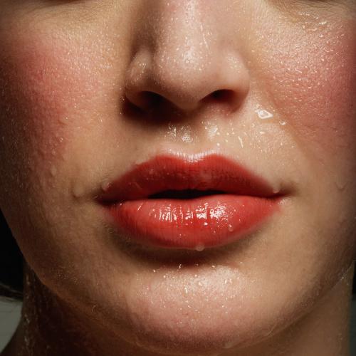 Soulager la transpiration du visage