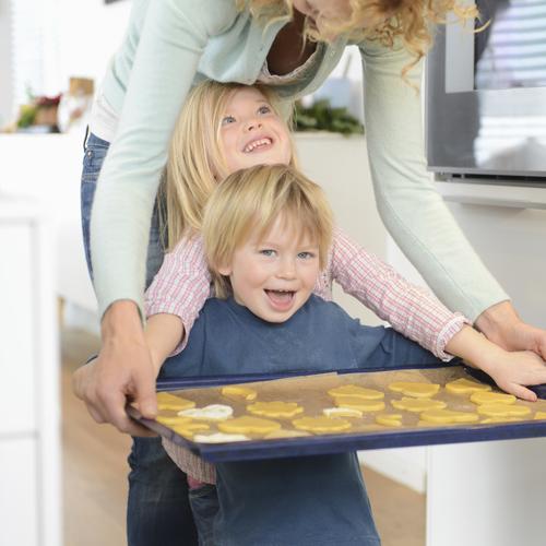 Garde d'enfant : les occuper en cuisinant