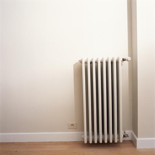 Dépoussiérer ses radiateurs pour chauffer moins cher