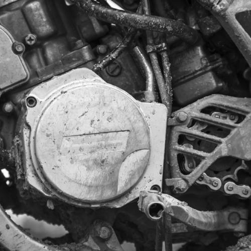 Changer le filtre à air d'une moto