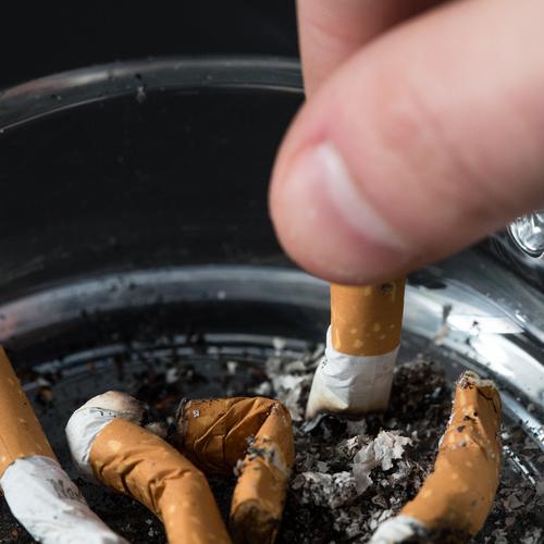 Enlever des taches de nicotine sur ses doigts