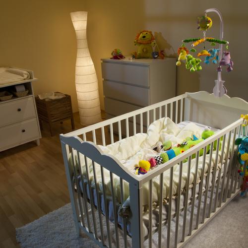 organiser l 39 espace couchage d 39 un nourrisson ooreka. Black Bedroom Furniture Sets. Home Design Ideas