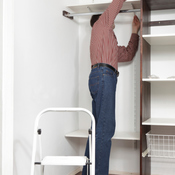 faire des tag res dans un placard. Black Bedroom Furniture Sets. Home Design Ideas