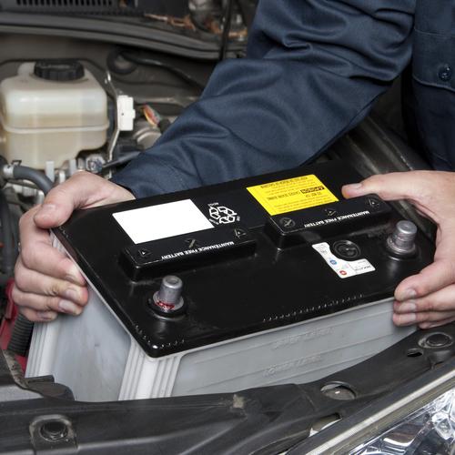 Débrancher une batterie de voiture