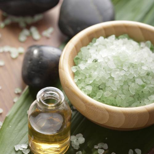 Préparer un bain aux huiles essentielles
