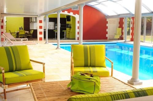 Abrimagix transforme l'abri de piscine traditionnel en extension de votre maison dans laquelle vous pouvez vivre toute l'année.