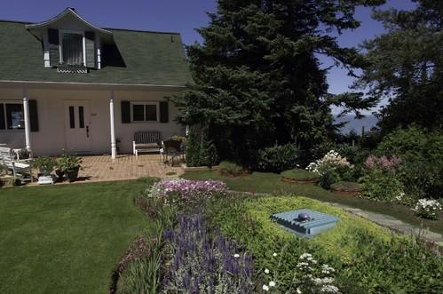 Jardin avec sytème d'assainissement discret