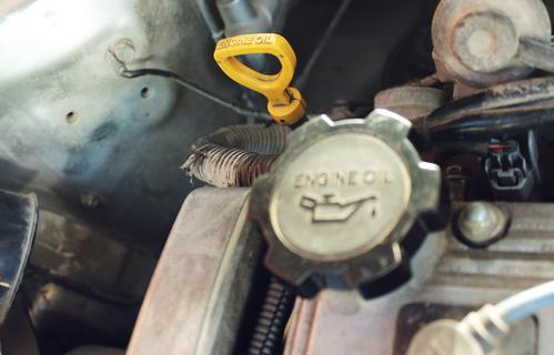 Consommation anormale d'huile moteur : causes et solutions ...