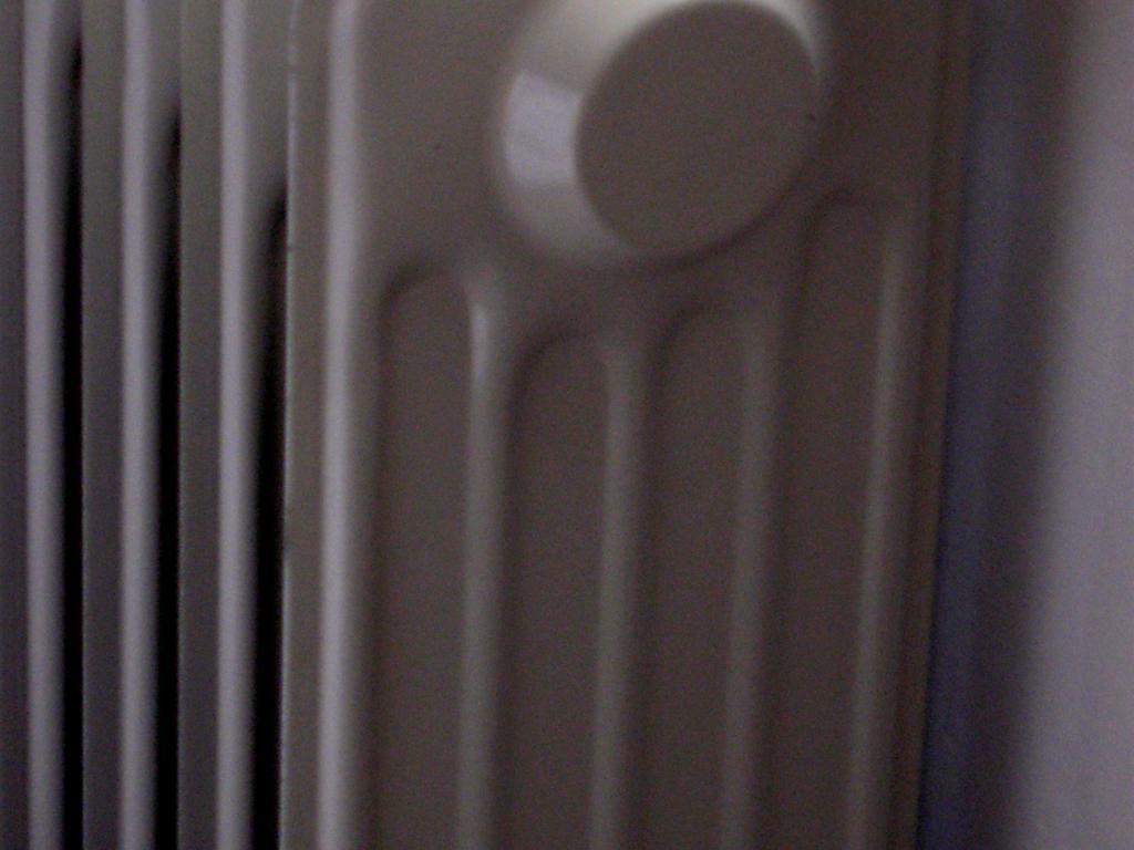 Placez un réflecteur de chaleur derrière vos radiateurs