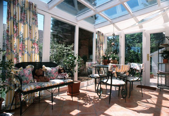 Salon pour v randa mobilier mat riaux prix ooreka - Mobilier pour veranda ...