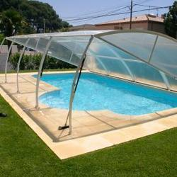 Abri de piscine le sujet d crypt la loupe for Abri piscine occasion