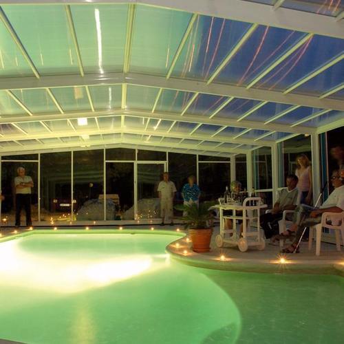Comment changer l'ampoule de son projecteur de piscine