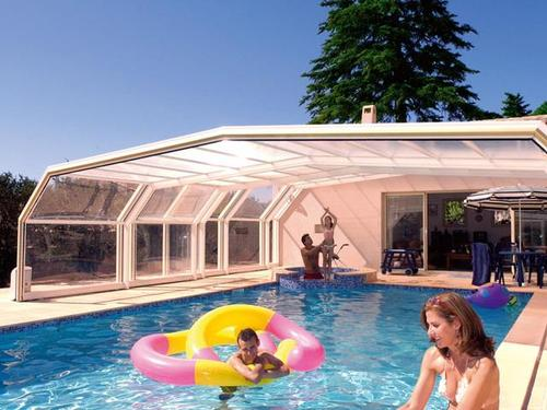 Abri de piscine en plexiglas ooreka for Abris piscine eureka