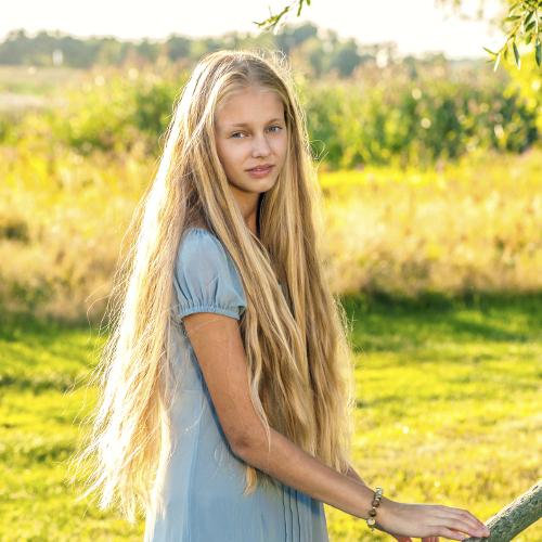 Elle favorise la repousse des cheveux : faux