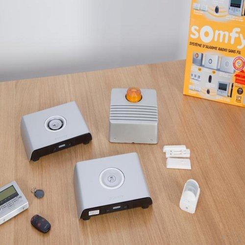 Zoom sur le contenu du kit alarme Protexiom 600 de Somfy