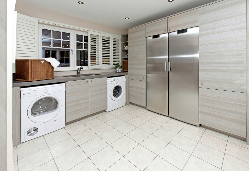 armoire s chante fonctionnement et crit res d 39 achat ooreka. Black Bedroom Furniture Sets. Home Design Ideas