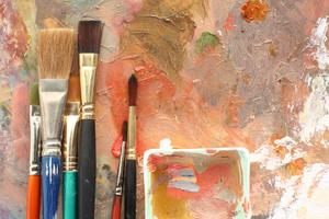 Pinceaux et peinture