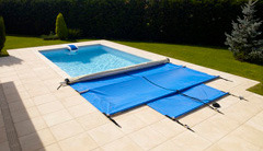B che de piscine comparatif des diff rents types ooreka for Sangle enrouleur piscine