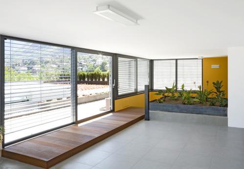 baie vitr e en aluminium caract ristiques prix ooreka. Black Bedroom Furniture Sets. Home Design Ideas