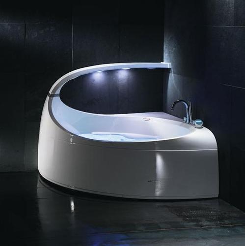 Baignoire salle de bain prix et mat riaux - Baignoire centrale design ...