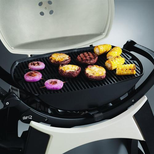 Les cuissons de tout type d'aliment sont maîtrisées sur ce modèle de barbecue charbon de bois