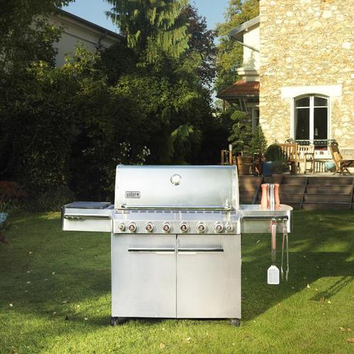 Les nombreuses fonctionnalités de ce barbecue haut de gamme le rendent irrésistible