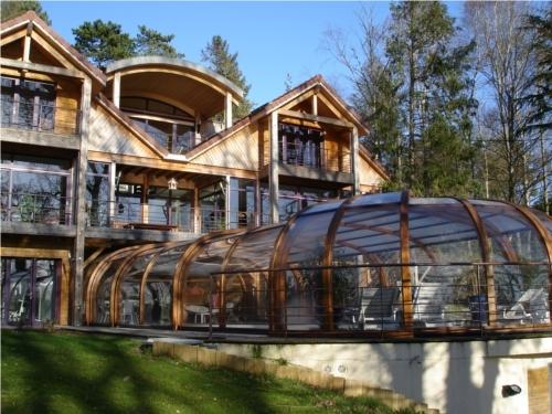 Abri de piscine bois intégré