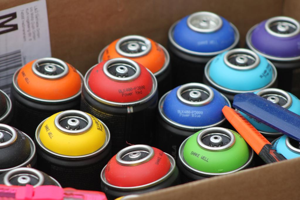 Peinture bombe pour plastique conseils d 39 utilisation for Peindre a la bombe carenage moto
