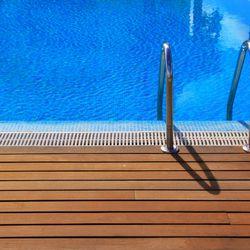 piscine le sujet d crypt la loupe page 5. Black Bedroom Furniture Sets. Home Design Ideas