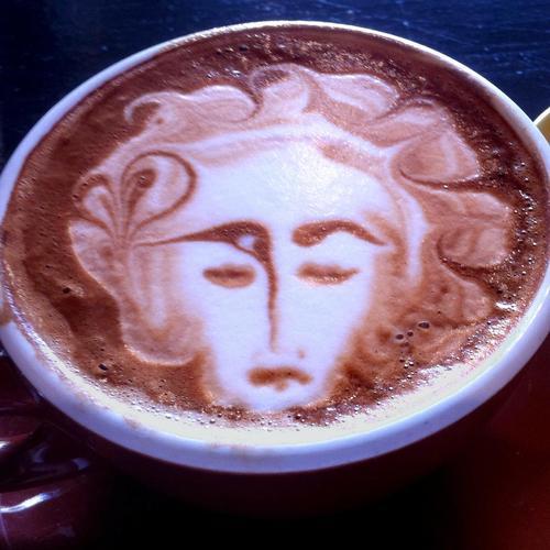 Un exfoliant corporel au marc de café