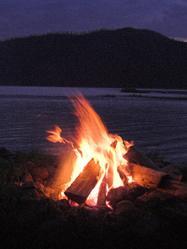 Un feu de camping