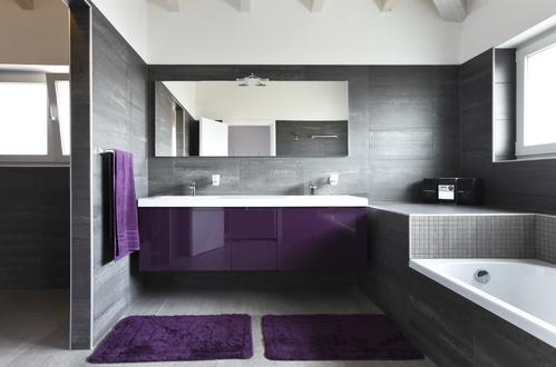 great salle de bain ardoise grise les vieux carreaux blancs de votre salle bain commencent with carrelage autocollant pour salle de bain - Carrelage Autocollant Pour Salle De Bain