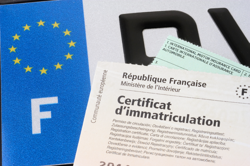 Amende et certificat d'immatriculation
