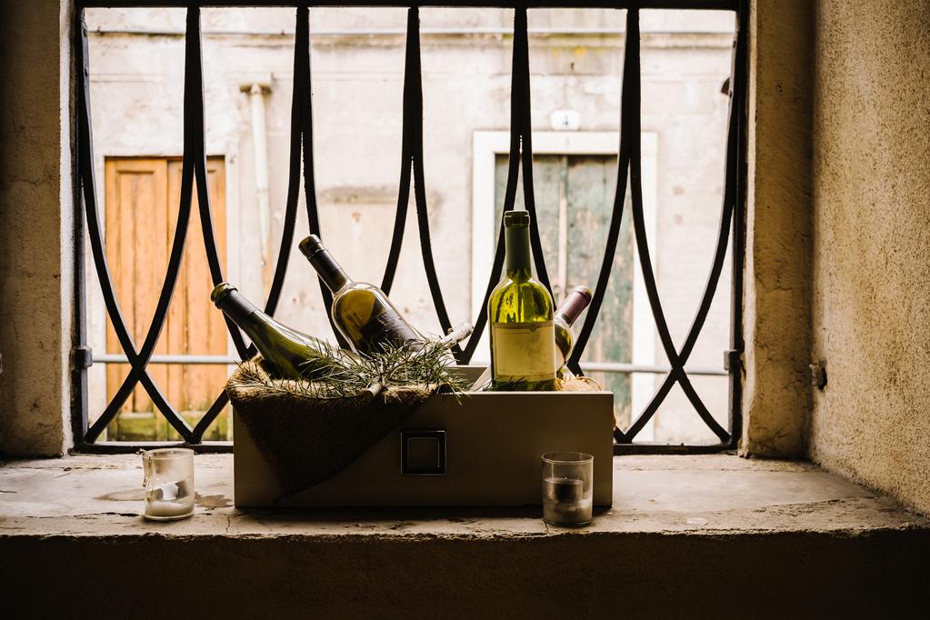 fen tre de cave obligations tanch ti types prix ooreka. Black Bedroom Furniture Sets. Home Design Ideas
