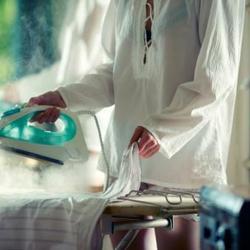 Le repassage compte parmi les tâches ménagères incontournables. Comment bien choisir son matériel de repassage ?