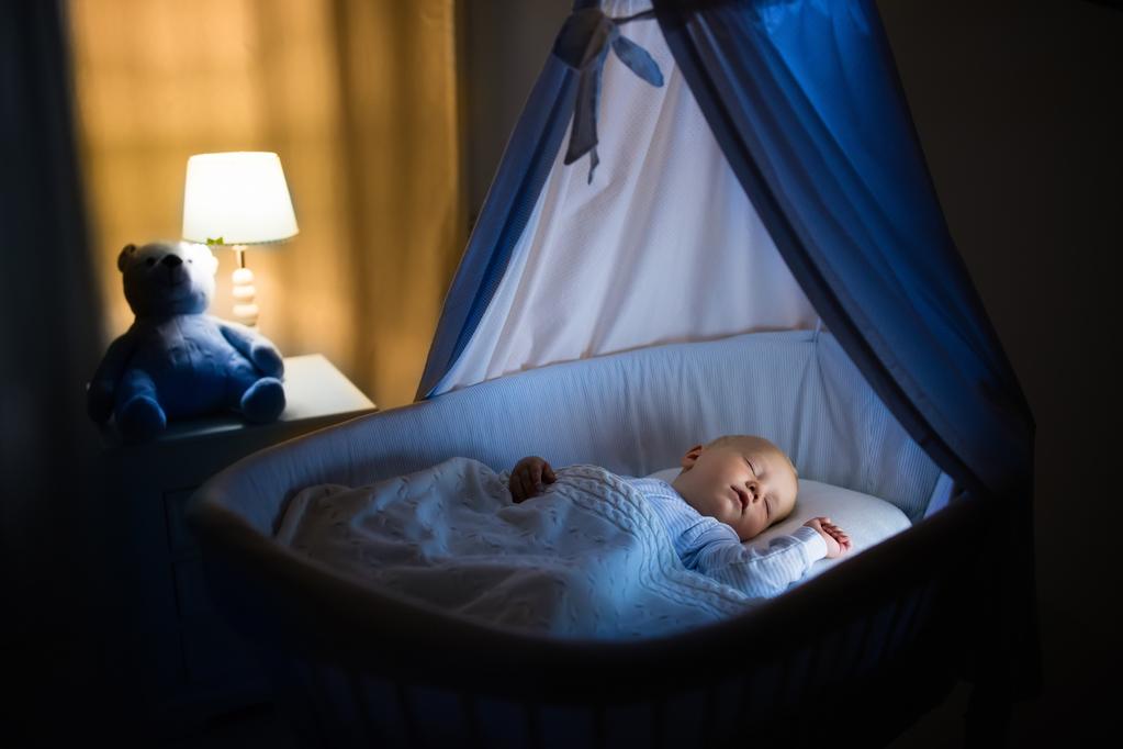 Chambre bébé mansardée : agencement, confort, déco - Ooreka