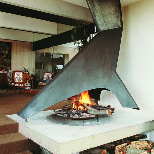 cheminée design fonctionnant au bois