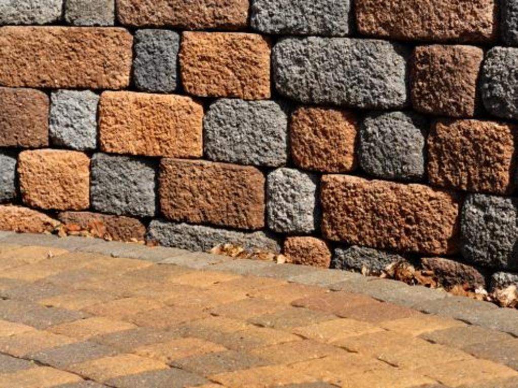 Cl ture sous forme de mur de sout nement quelle for Cloture sur mur mitoyen