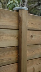 Poteau de clôture