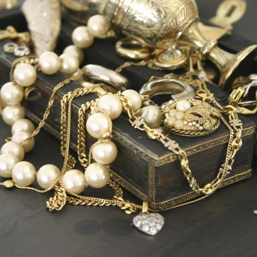 Nettoyer ses bijoux précieux