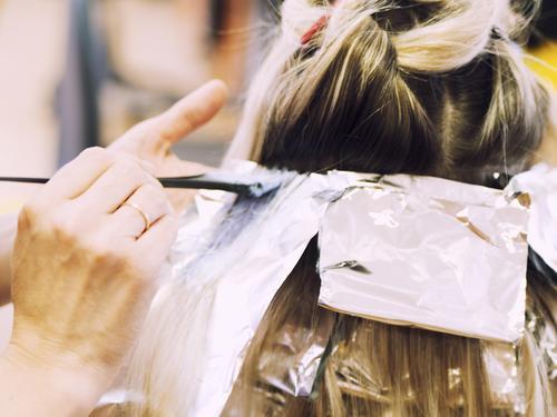 Comment Choisir Et Faire Une Coloration Pour Cheveux Ooreka