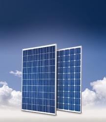 Panneaux solaire conergy fond nuageux