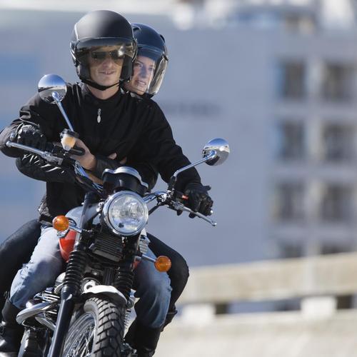 Rouler avec un passager en moto